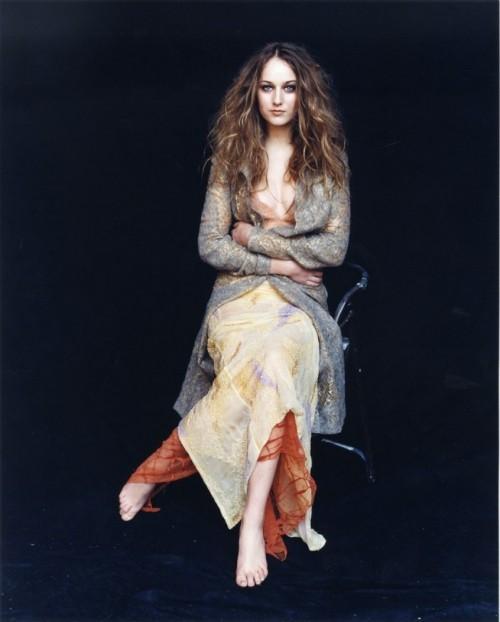 Leelee-Sobieski-Feet-1240943928a654eb79.jpg