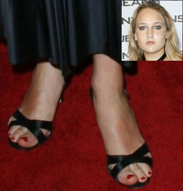 Leelee-Sobieski-Feet-14dc589b9455c289c.jpg