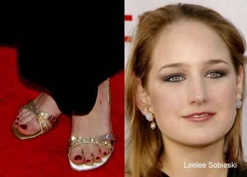 Leelee-Sobieski-Feet-683bcaf9a77487c63.jpg