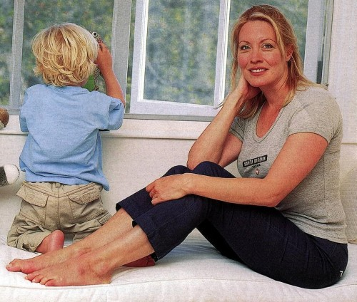 Linda-Kozlowski-Feet-378d9425d703c984c.jpg