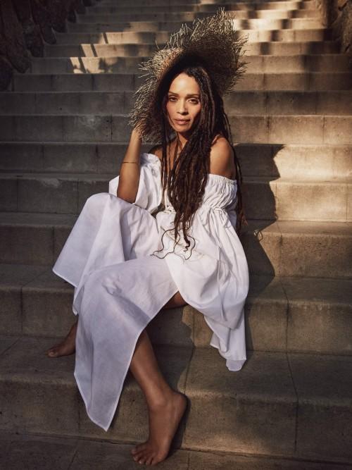 Lisa-Bonet-Feet-71bf5454c4b2c6cf3.jpg