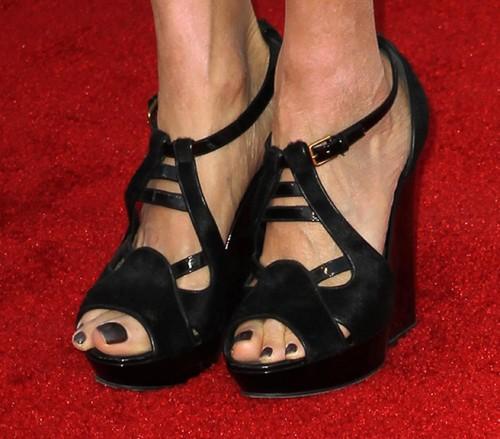 Lisa-Edelstein-Feet-4b5e6ed960315d8ef.jpg