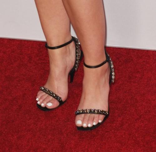 Lucy-Hale-Feet-25f90163f8af25fbec.jpg