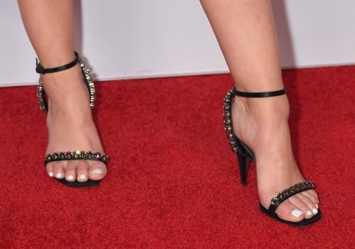 Lucy-Hale-Feet-2639baa952abb77d9a.jpg