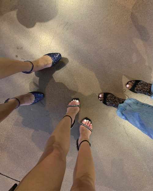 Lucy-Hale-Feet-276cb069fd90f255bb.jpg