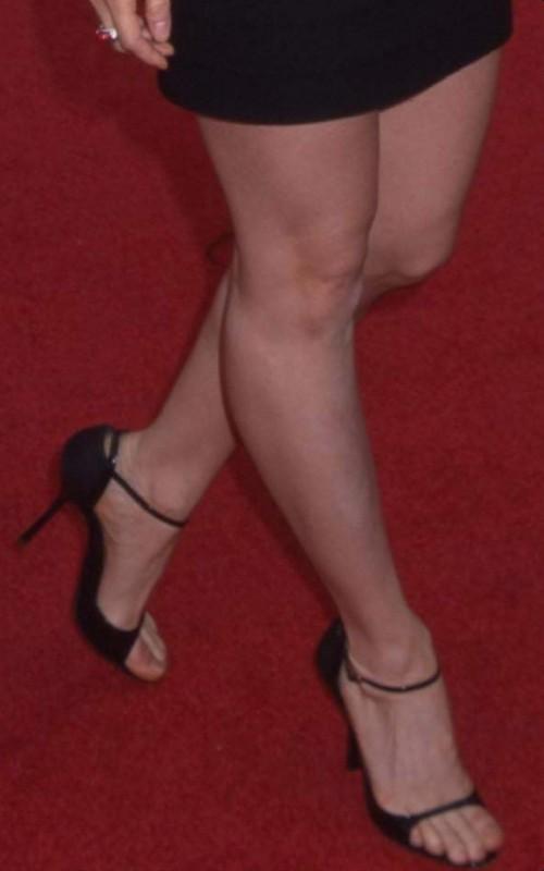 Lucy-Liu-Feet-19a0348e0dd6159e97.jpg