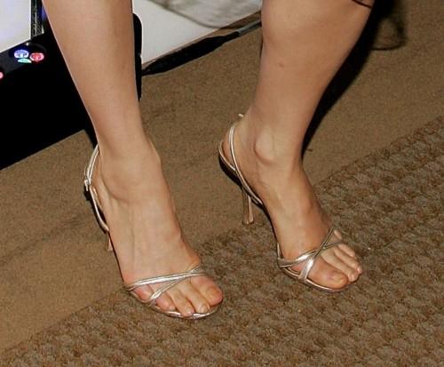 Lucy-Liu-Feet-3480e93e36dbda49c.jpg