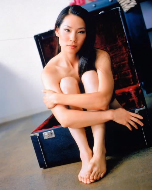 Lucy-Liu-Feet-7b217442d8afc44b1.jpg
