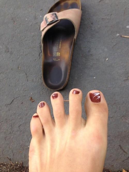 Maggie-Gyllenhaal-Feet-56f2539c921b0a2a2.jpg