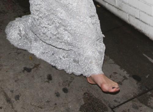 Malin-Akerman-Feet-207fddd7f0fc79fd1a.jpg