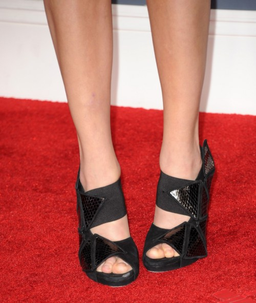 Malin-Akerman-Feet-62f75df053c2233aa.jpg