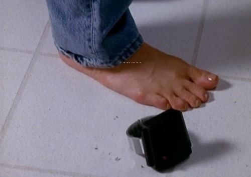 Marcia-Cross-Feet-10d6789525906c1632.jpg