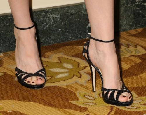 Marcia-Cross-Feet-2c08b50b7079365f1.jpg