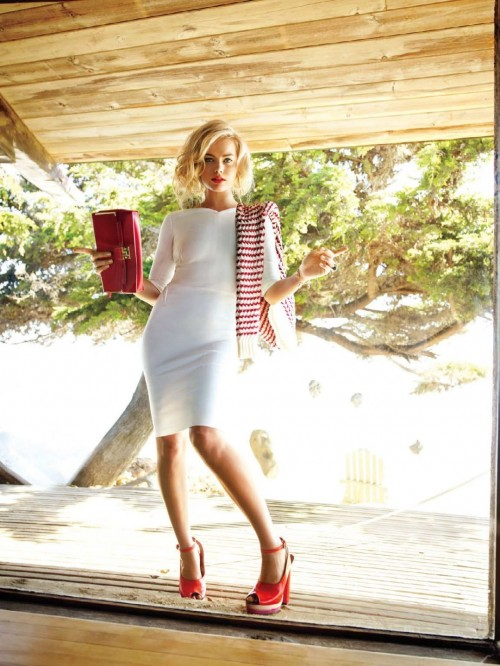 Margot-Robbies-Feet-3555cc3646107315ff.jpg