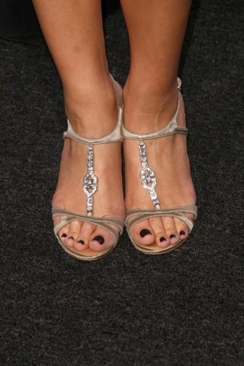 Maria-Menounos-Feet-21c7c648b8ccafbb04.jpg