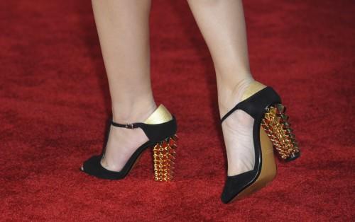 Maria-Menounos-Feet-329e9d710c6666df23.jpg