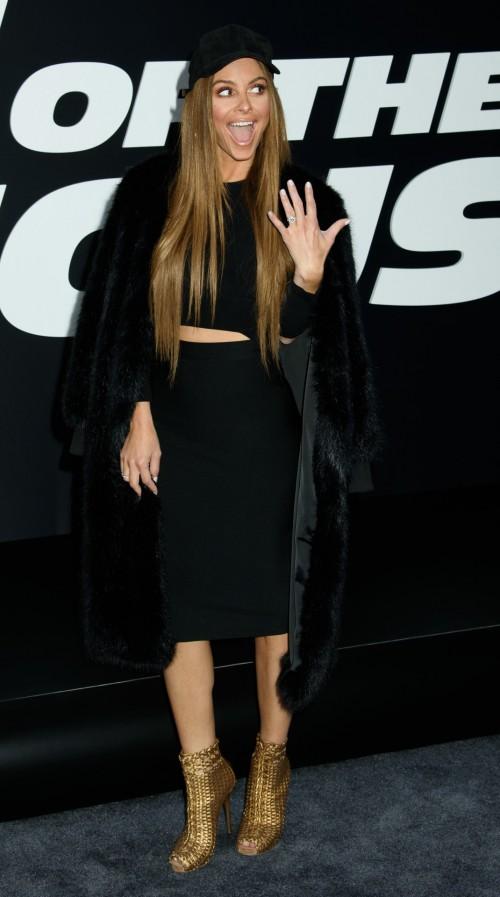 Maria-Menounos-Feet-360ef82201e3fc81c7.jpg