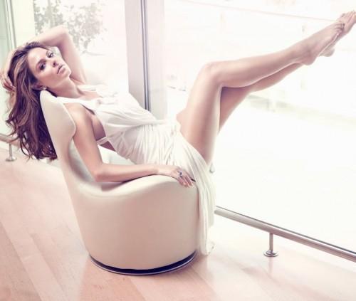 Maria-Menounos-Feet-40297f2f79ee20f389.jpg