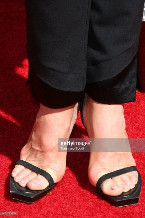 Mariel-Hemingway-Feet-16ca0553968cbc45b9.jpg