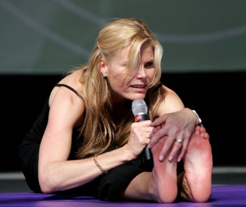 Mariel-Hemingway-Feet-292881cd7a928eb2f.jpg