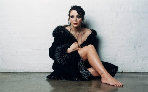 Martine-Mccutcheon-Feet-55d72b659b88bc23f.jpg