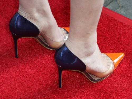 Mayim-Bialik-Feet-1433da7294d89d1929.jpg