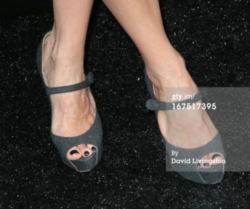 Megyn-Price-Feet-6ed37d92cbed73b36.jpg