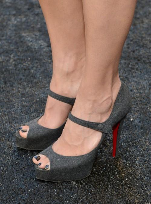 Megyn-Price-Feet-7e2e0c666fc96a850.jpg