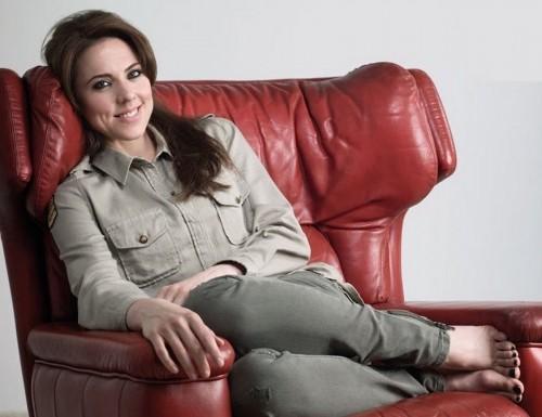 Melanie-Chisholm-Feet-7d43533b5a062ccc9.jpg