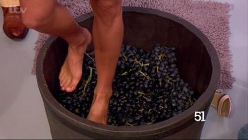 Melanie-Sykes-Feet-5d386d93645133c5e.jpg