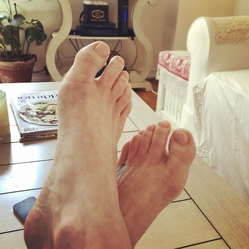 Melissa-Gilbert-Feet-81a7ff54a73c04be3.jpg