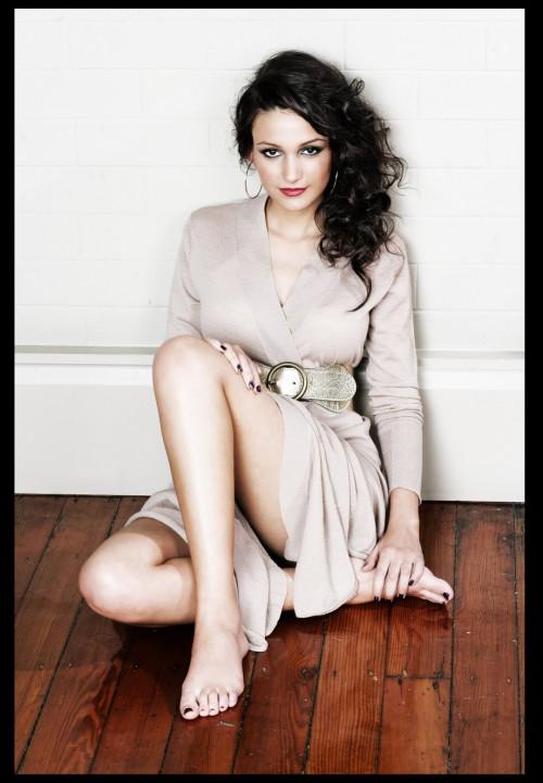 Michelle-Keegan-Feet-59981a79a4645fba8.jpg