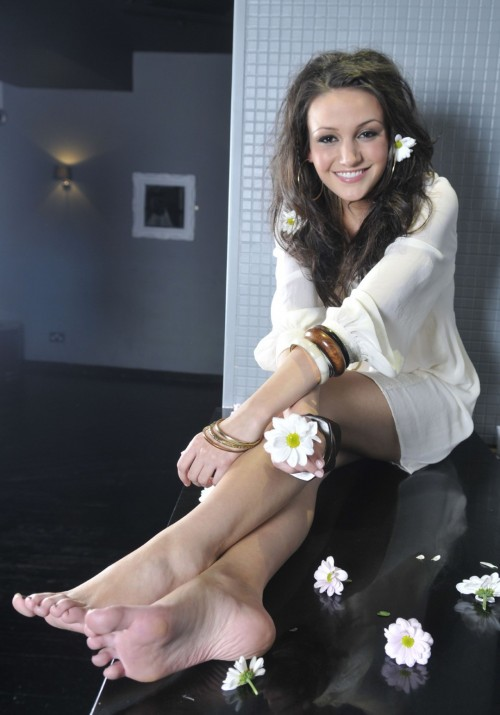 Michelle-Keegan-Feet-86531a7980088d546.jpg