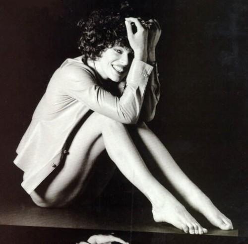 Milla-Jovovichs-Feet-99ec3bcd4d3b6c2f3c.jpg