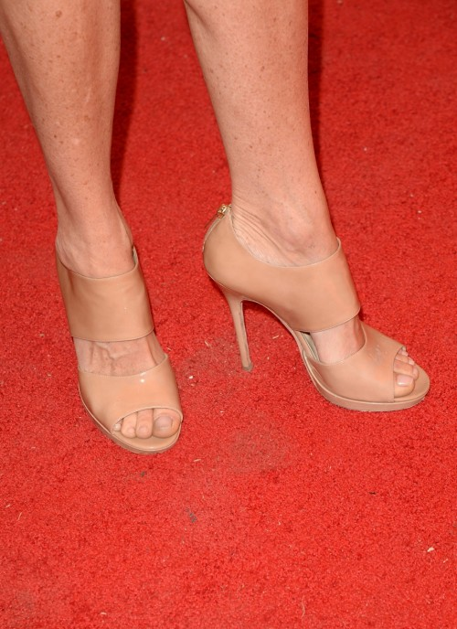 Minnie-Driver-Feet-2200da4335da43247.jpg