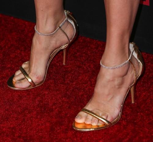 Mira-Sorvino-Feet-10e6d4b2c11a4120ef.jpg