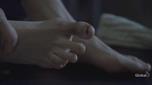 Mira-Sorvino-Feet-2b2f6a7035a59ac98.jpg