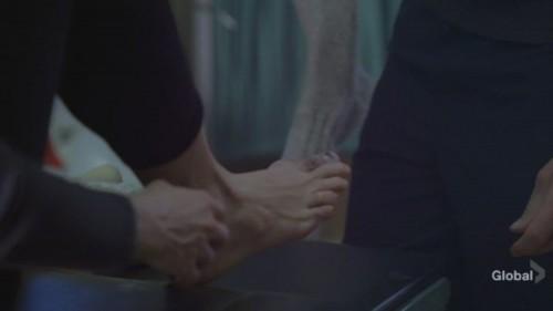 Mira-Sorvino-Feet-35bdfe94029c234f0.jpg