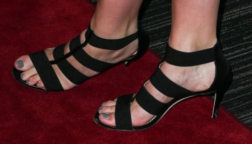 Mischa-Barton-Feet-155fe858cad86a93b4.jpg
