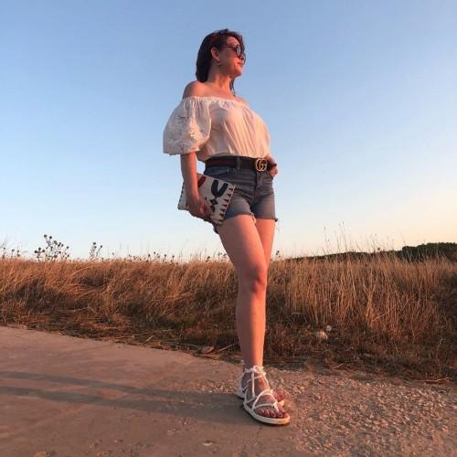 Molly-Ringwald-Feet-12aecbba2f9e4f822c.jpg