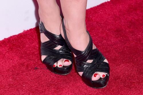 Molly-Ringwald-Feet-9c8e9bc3bfb0b0de3.jpg