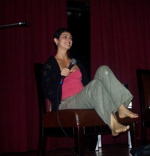 Morena-Baccarins-Feet-26ed2857c294f6d442.jpg