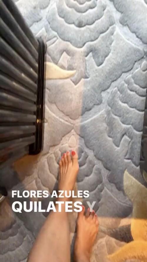 Nadine-Velazquez-Feet-4384b47eba3d806a2.jpg