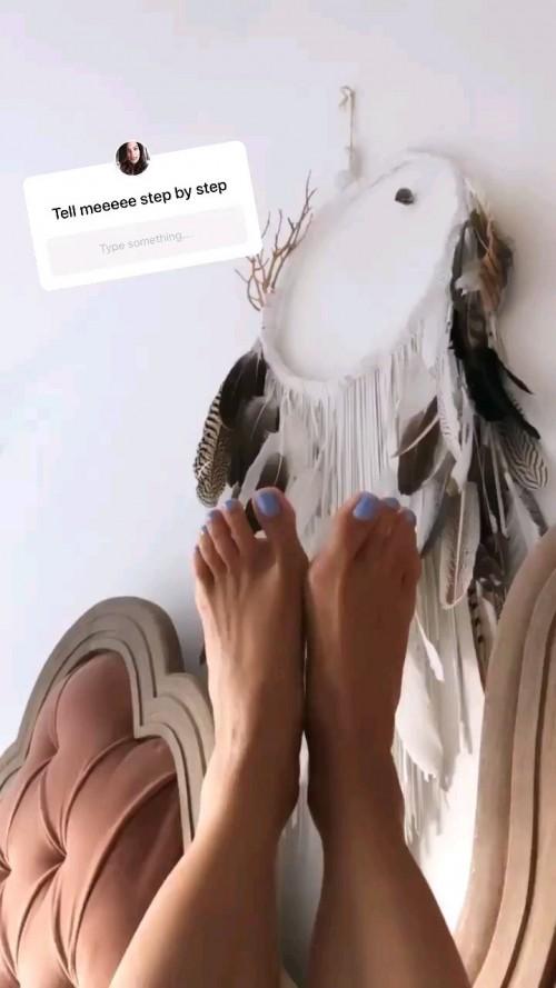 Nadine-Velazquez-Feet-9b026455f0eab1c0c.jpg