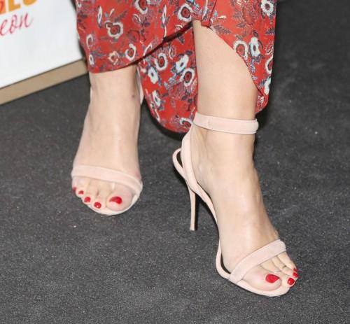 Natasha-Henstridge-Feet-119ee6daa727ea1767.jpg