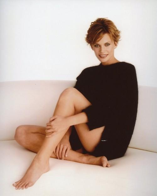 Natasha-Henstridge-Feet-1876f1ab09aaa0a1bd.jpg
