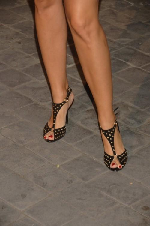 Natasha-Henstridge-Feet-54cf183a216f63221.jpg