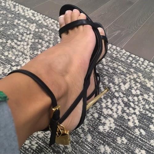 Nicole-Murphy-Feet-116aea147dc17a2a4a.jpg