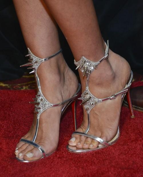 Olivia-Culpo-Feet-40be443e1dfc5c78fd.jpg