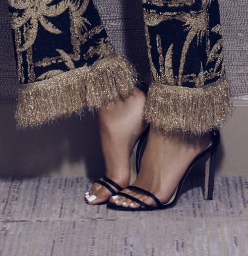 Olivia-Culpo-Feet-49f55bc68fafd09ba4.jpg